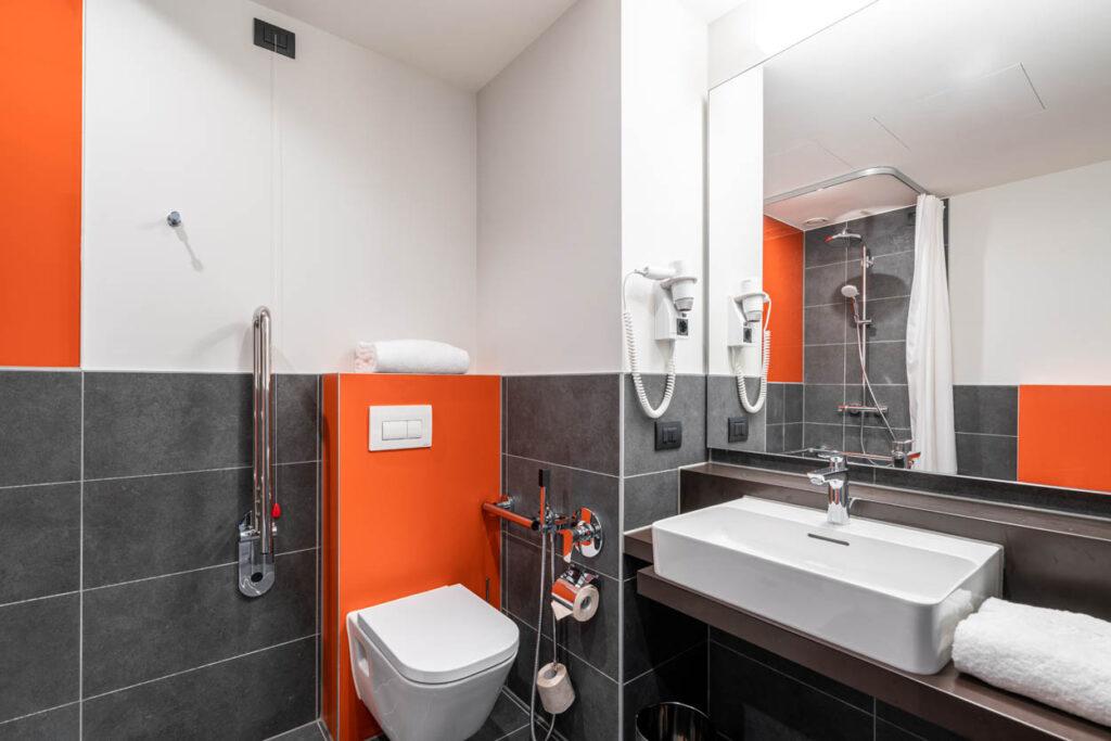 7 Days Premium Mestre Italien Ansicht Bad 1 1024x683 - 7 Days Premium Hotels