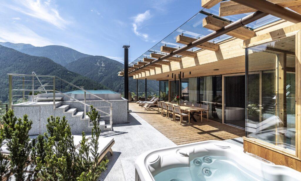 Sonnwies Luxury Mountain Villa cSonnwies 1024x617 - Außergewöhnliche Übernachtungsmöglichkeiten für den Sommer in Europa