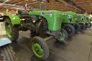 CA19 Traktor QMW CF Kunaz 2209 15 300x200 - Classic Austria + Das Blühende Gartenfest