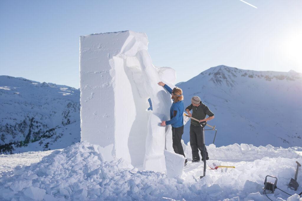 Art on Snow 1 1024x684 - Frostige Kunstwerke aus ganz Europa